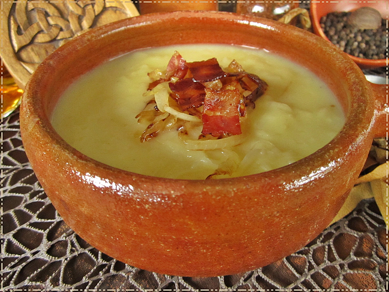 Kartoffelsuppe mit Sauerkraut